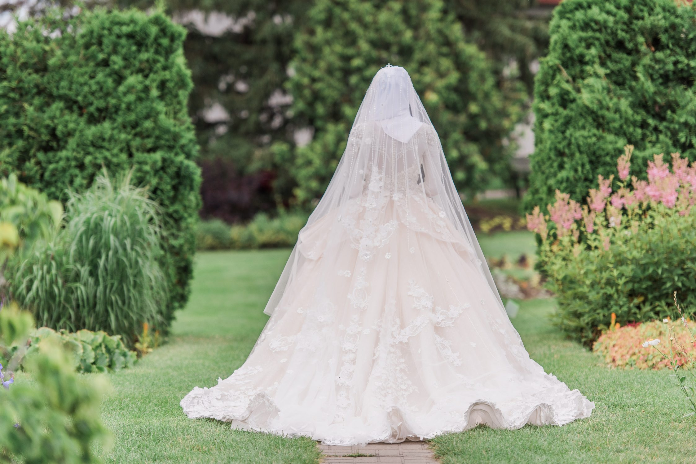 ornamental gardens - romantic wedding photographer ottawa - ball gown