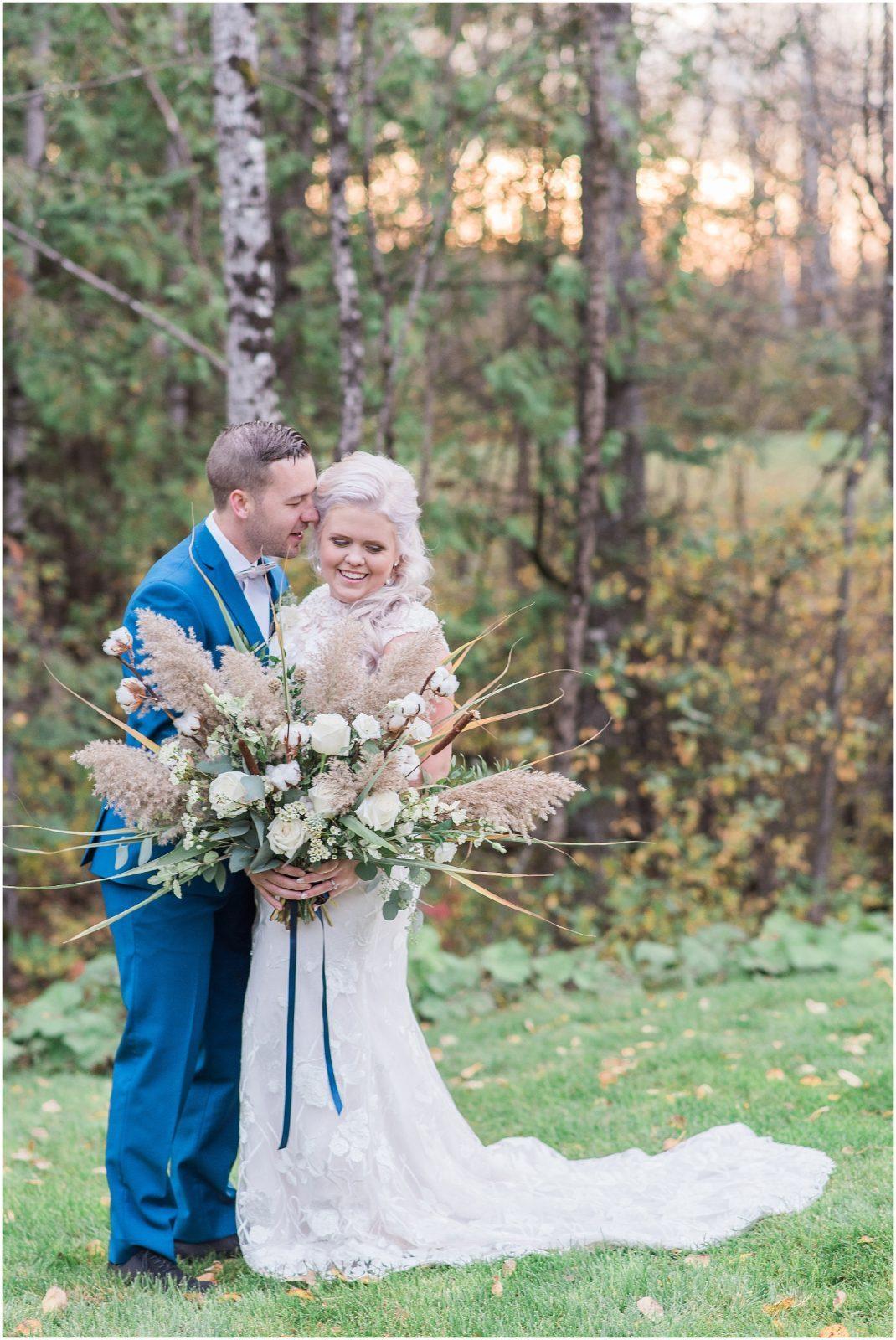 0043 Bethany and Luc - Fall Backyard Ottawa Wedding - Copper and Navy - PhotosbyEmmaH.jpg