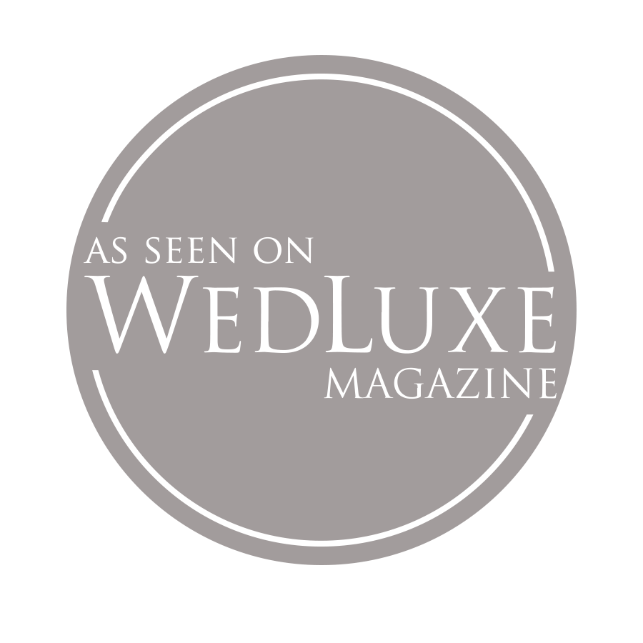 as seen on wedluxe badge - ottawa wedding photographer