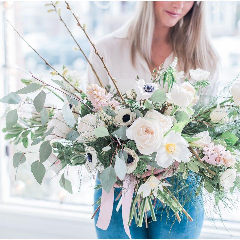 Big ass wedding bouquet - ottawa wedding photographer