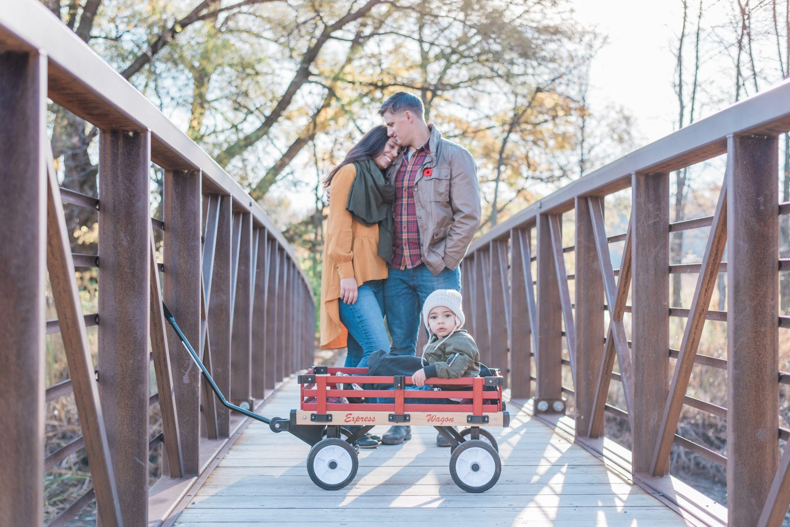 chapman mills conservation area - ottawa photography locations - fall family photo