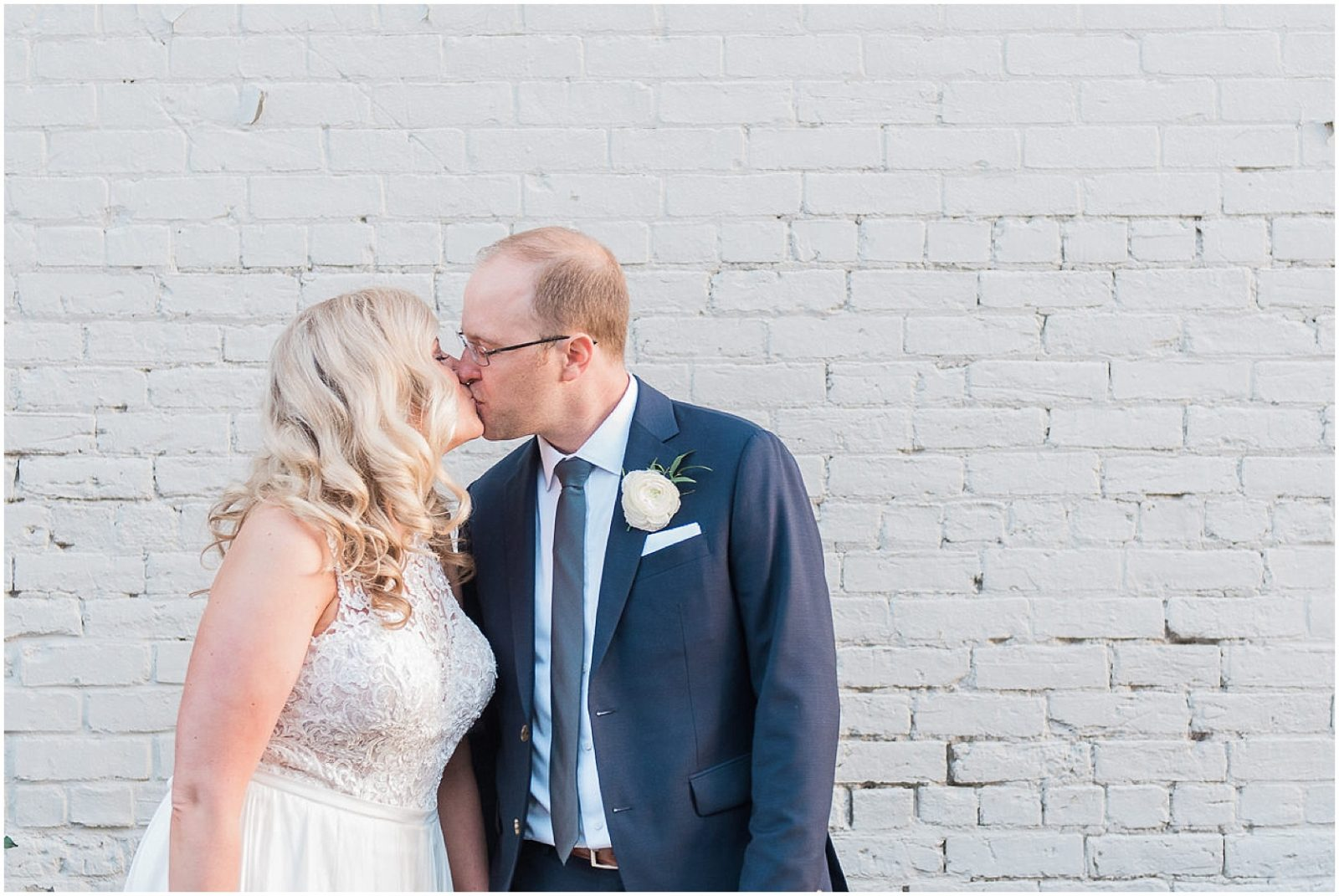 0210 SS-Late Summer Wedding at Zibi - Ottawa_PhotosbyEmmaH_WEB.jpg